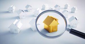 Genaue Betrachtung eines Hauses für eine qualifizierte Immobilienbewertung